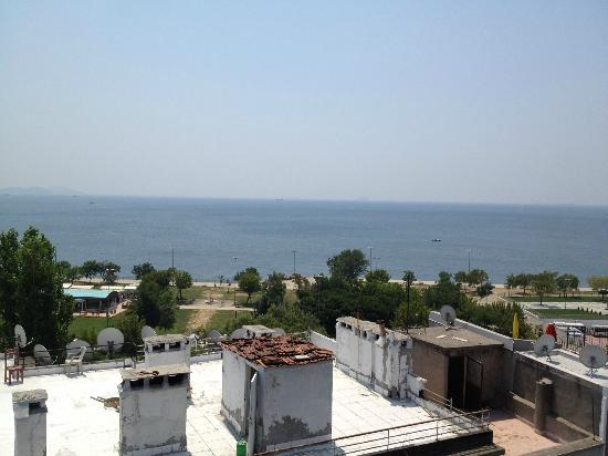 Artefes Hotel Istanbul: View of the Marmara from the Roof