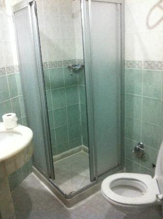 Artefes Hotel Istanbul: Bathroom