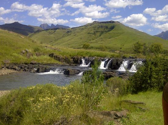 Bushmans Nek Berg & Trout Resort: Same waterfal, different angle
