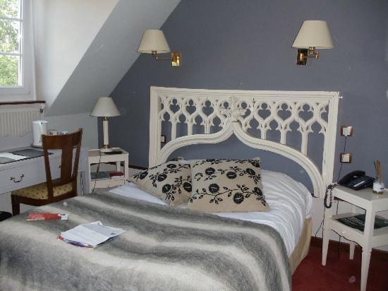 Auberge du Forgeron: Smaller attic room