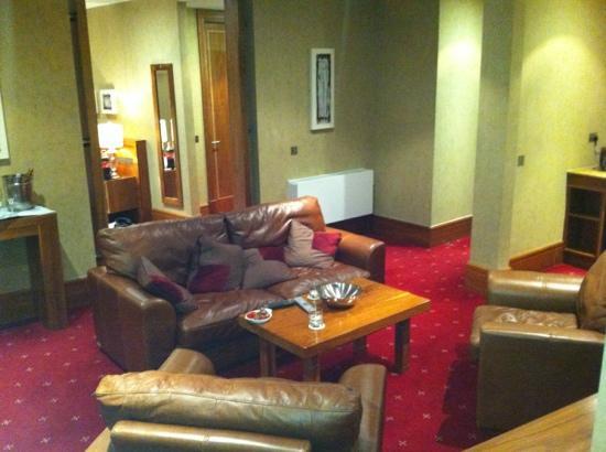 Tullamore Court Hotel: suite 305 lounge area.