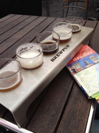 Restaurant OASI'D ITALIA: Beer flight from Brewpub