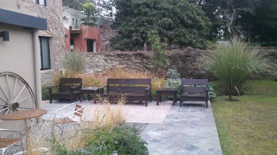 Posada El Capullo: Y más jardin