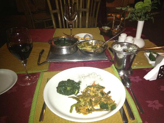 Haandi Restaurant: Saag, veggies and rice!  Delicious