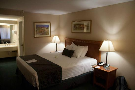 BEST WESTERN Pasadena Royale: Le lit King