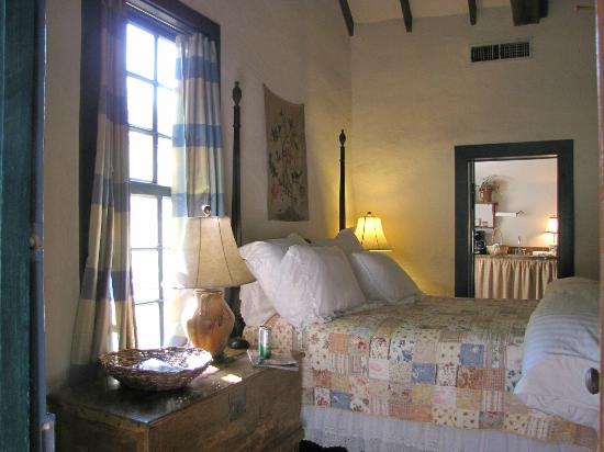 Settlers Crossing Bed and Breakfast: Cute Bedroom