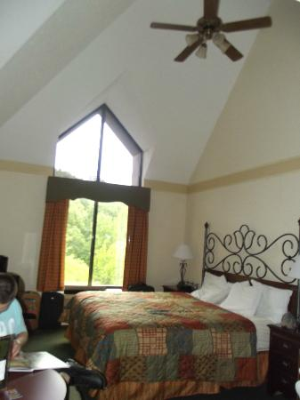 Country Cascades: our room