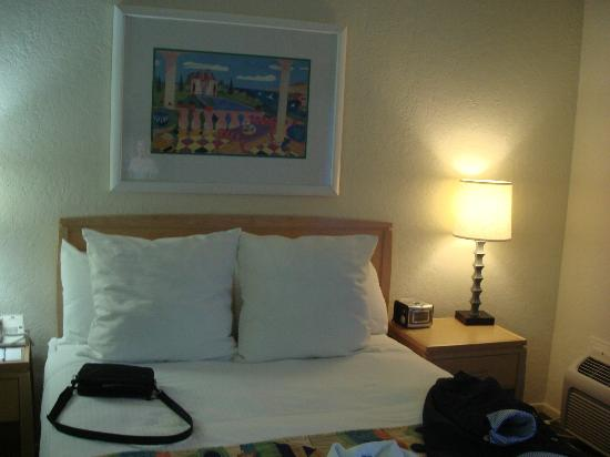 Inn at Venice Beach: Queen size bed