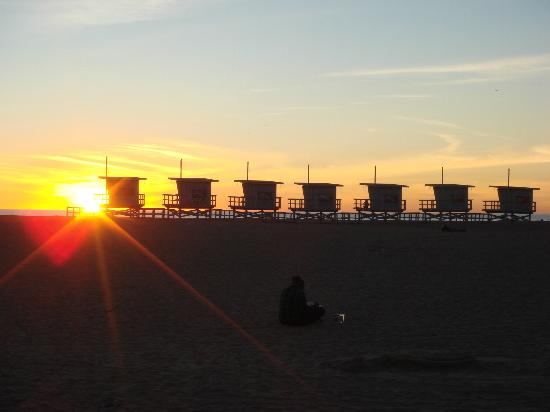 Inn at Venice Beach: Beach is only 5 - 10mins walk