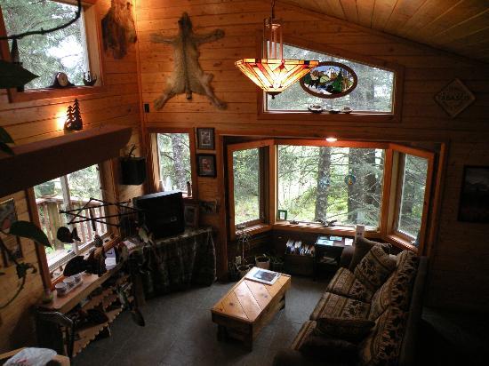 Beach House Rentals: Treefort House great room, 2 beroom, kitchen & bath, sleeps 2-7 people