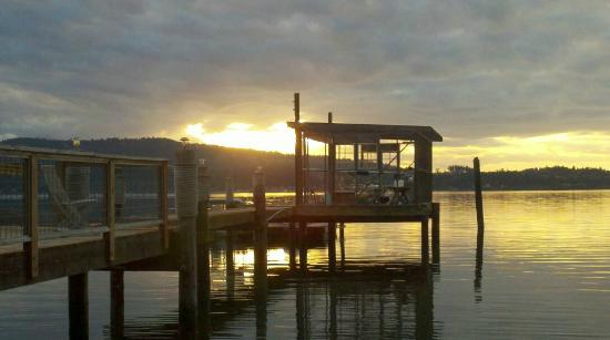 Sunset Marine Resort : view from the Boat House deck