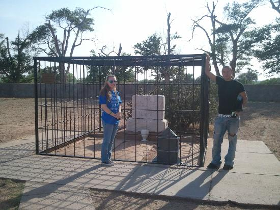 Billy the Kid Museum: Actual grave