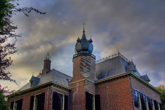 Landgoed Kasteel Oud-Poelgeest: toren van kasteel oud poelgeest