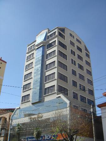 Elegance Hotel: The hotel building