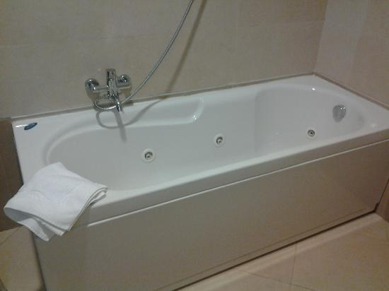 Hotel Baja: Vasca idromassaggio
