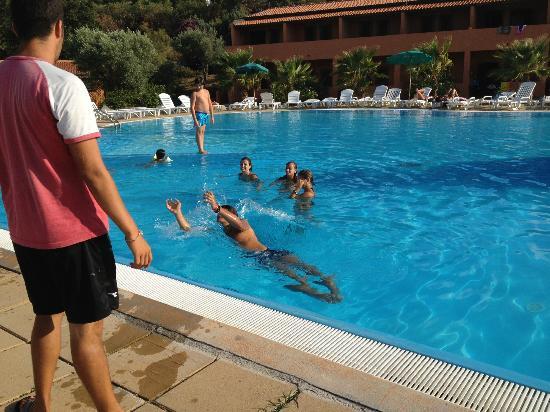 Villaggio Torre Sant'Irene: piscina