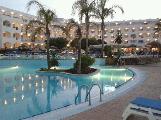 Piscinas picture of hotel best oasis tropical mojacar for Piscinas almeria