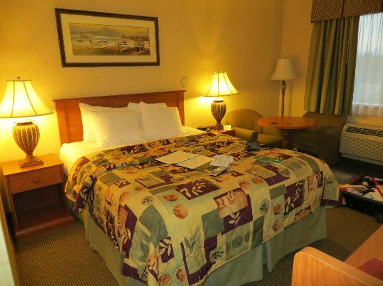GuestHouse Inn Bellingham: Le Queen-size Bed