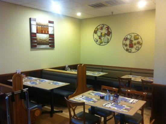 Blue Plate Diner: blue platee