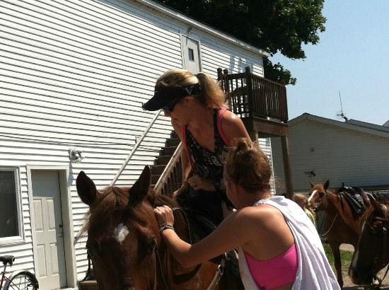 Cindy's Riding Stable Market Street: Getting a hand up