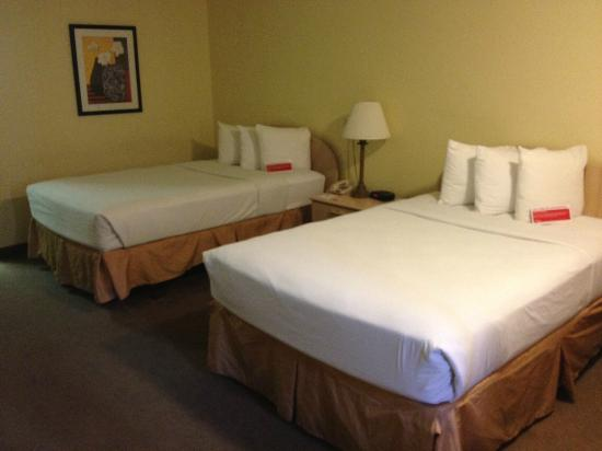 Ramada Westshore Tampa Airport: mattresses were firm