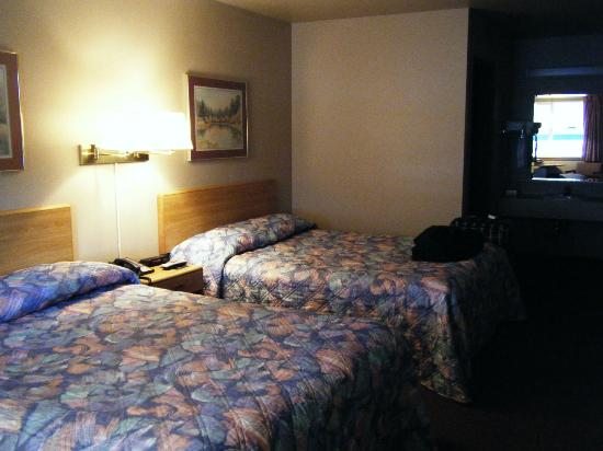 The Pacific Inn Motel: room
