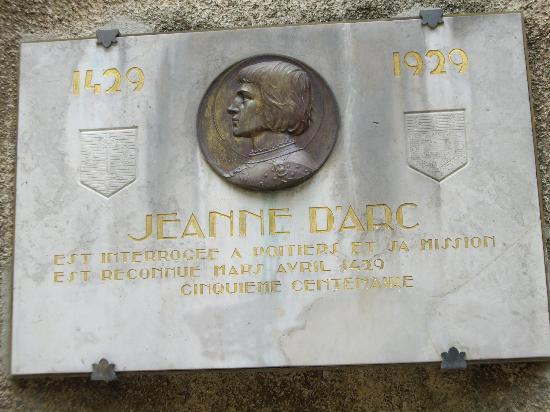 Adagio Access Poitiers: Commemoration to Joan of Arc