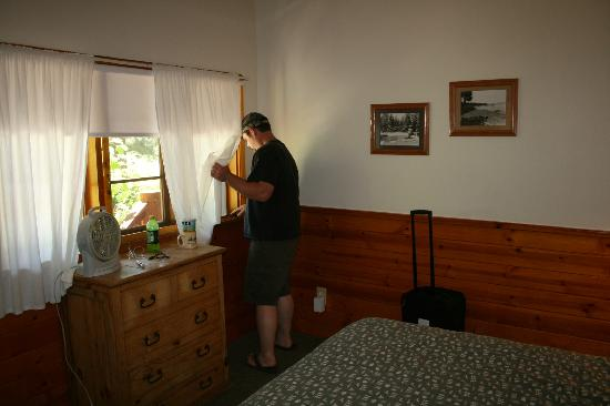 Tahoe Vista Lodge & Cabins: Room #1