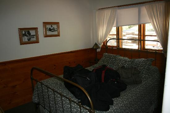 Tahoe Vista Lodge & Cabins: Room #2