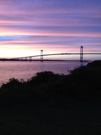Rose Island Lighthouse: dusk