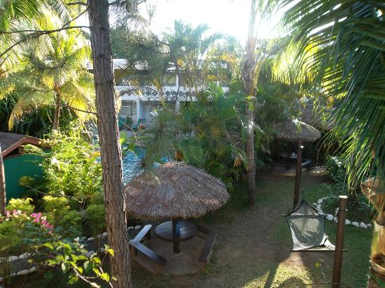 Capricorn Fiji Hotel: Naturally landscaped gardens