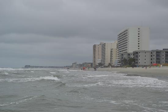 Condotels at Surfmaster: In front ot the condo ooking toward the Garden City Pier