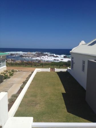 Die Rotse Host House Self-Catering Accommodation : Scenic view from balcony