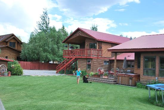 Teton View Bed & Breakfast: Backyard and Otto