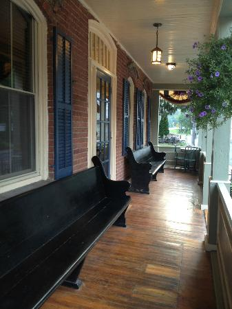 1850 House Inn & Tavern: front porch