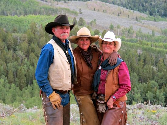 Granite Mountain Outfitters: Sue Applegate (middle) and two of her awesome wranglers