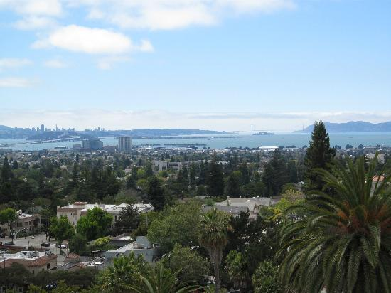 Claremont Club & Spa, A Fairmont Hotel: View from Room 301 (on a clear day, lots of fog!)