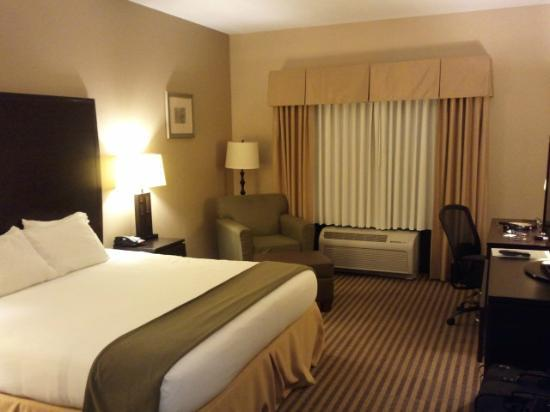 Holiday Inn Express: view of room