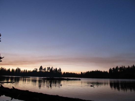 Manzanita Lake Campground: Twilight