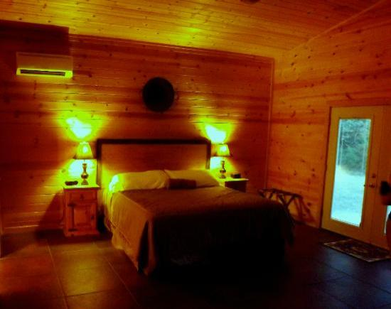 Cabins at Sugar Mountain: Bedroom