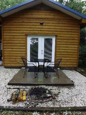 Cabins at Sugar Mountain : Patio off of bedroom