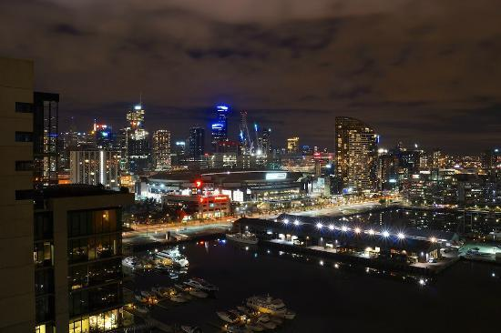 Docklands Private Collection of Apartments: Night view from the balcony