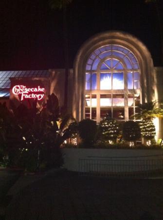 The Cheesecake Factory Resto