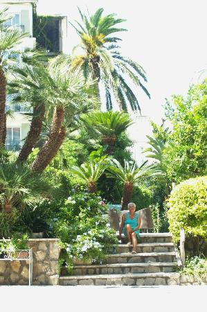 Hotel Eden: Le jardin de l'hotel