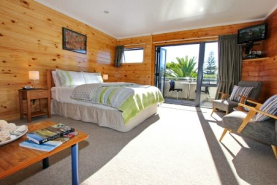 Cathedral Cove Bed and Breakfast: Nikau Guest Room