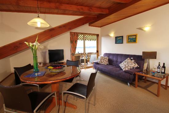 Chalet Romantica: Bellevue Apartment lounge area