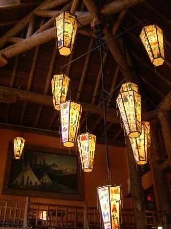 Lake McDonald Lodge: Main lobby
