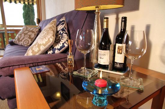 Chalet Romantica: bellevue suite loung area