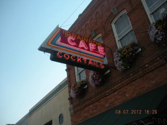 Rainbow Cafe : Exterior signage