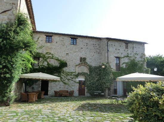 Castello di Petrata: la struttura dell'hotel